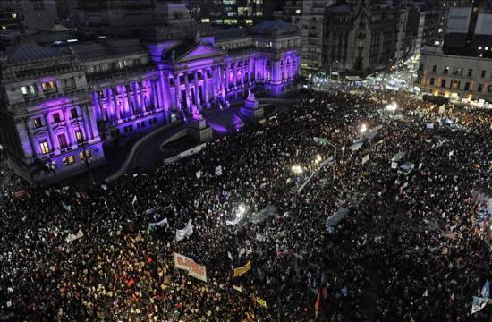 Argentina-celebra-la-contundente-marcha--Ni-una-menos--contra-el-feminicidio